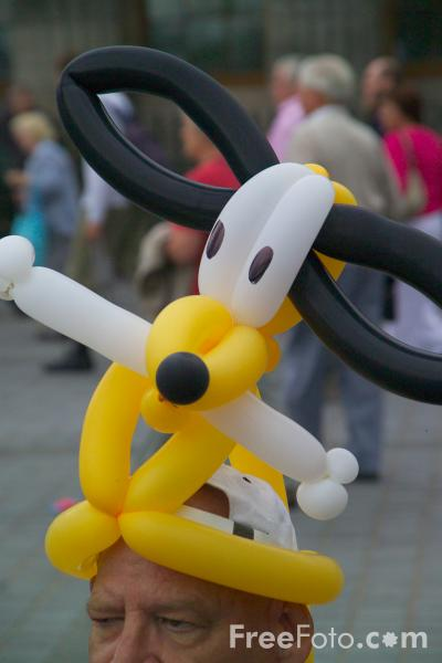 Picture of Balloon Sculpture - Free Pictures - FreeFoto.com