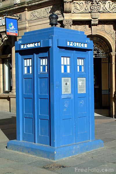 Picture of Police box, Glasgow - Free Pictures - FreeFoto.com