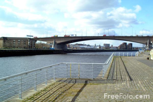 Picture of Kingston Bridge, River Clyde, Glasgow - Free Pictures - FreeFoto.com