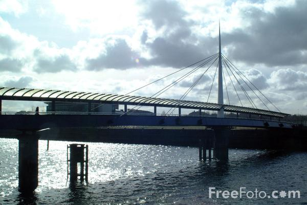 Picture of Bell's Bridge, River Clyde, Glasgow - Free Pictures - FreeFoto.com