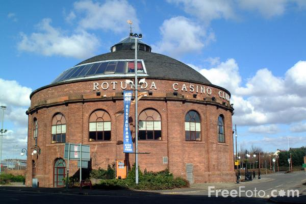 Picture of The red brick North Rotunda of the former Harbour Tunnel which now serves as the Rotunda casino restaurant. - Free Pictures - FreeFoto.com