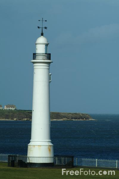 Picture of Lighthouse, Sunderland, Tyne & Wear - Free Pictures - FreeFoto.com