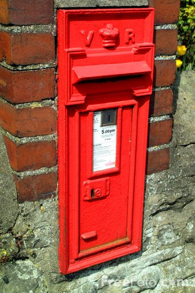Picture of Royal Mail Post Box - Free Pictures - FreeFoto.com