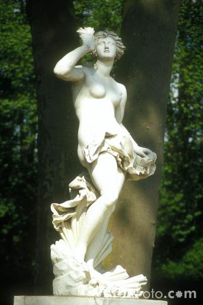 Picture of Sculpture, Palace of Versailles - Free Pictures - FreeFoto.com