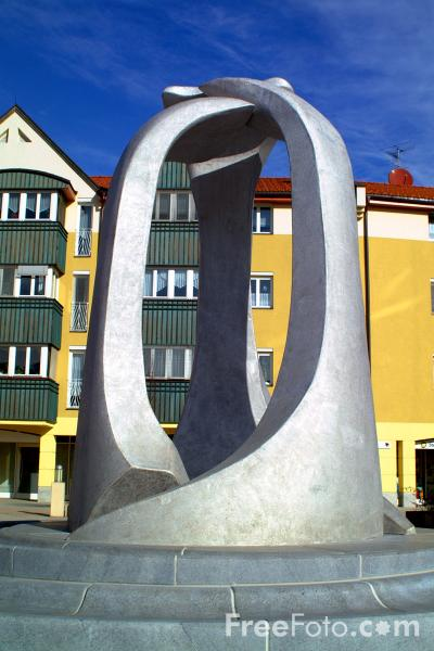 Picture of Modern Sculpture, Seeboden, Austria, - Free Pictures - FreeFoto.com