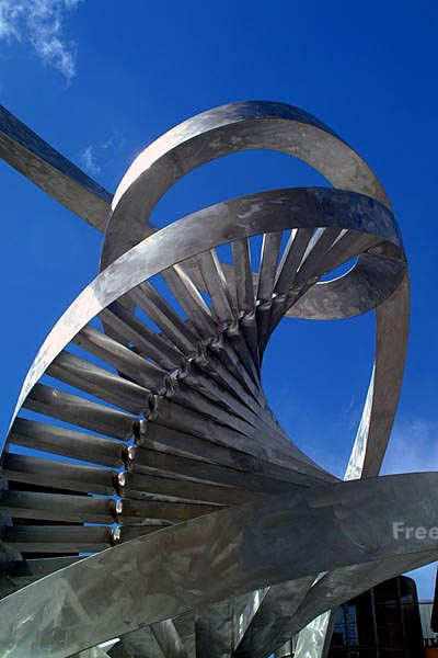 Picture of The DNA Spiral by Charles Jencks - Free Pictures - FreeFoto.com