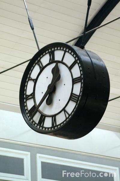 Picture of Station Clock, Newcastle upon Tyne - Free Pictures - FreeFoto.com