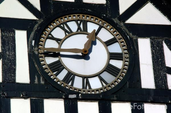 Picture of Town Hall Clock - Free Pictures - FreeFoto.com