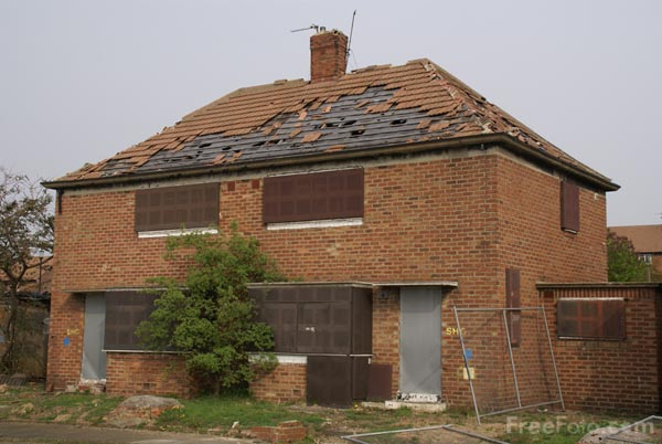 Picture of Derelict council house - Free Pictures - FreeFoto.com