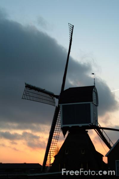Picture of Windmill, The Netherlands - Free Pictures - FreeFoto.com