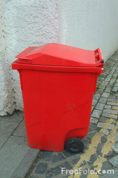 Picture of Wheelie Bin - Free Pictures - FreeFoto.com