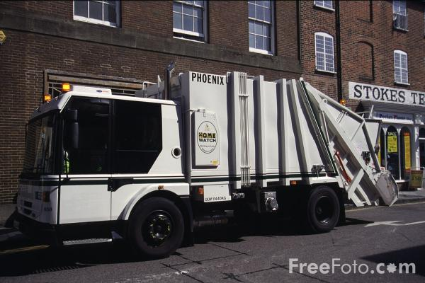 Picture of Refuse Lorry - Free Pictures - FreeFoto.com