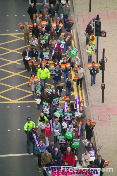 Picture of Council workers on strike over pensions - Free Pictures - FreeFoto.com