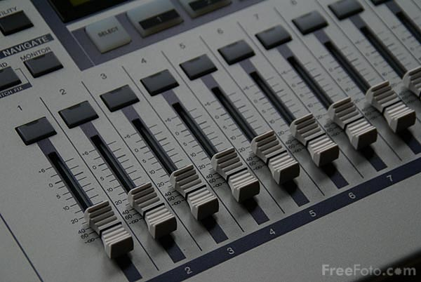 Picture of Yamaha AW1600 digital multitracker - Free Pictures - FreeFoto.com