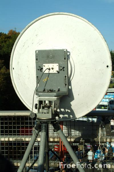 Picture of Television Outside Broadcast Microwave Link Dish - Free Pictures - FreeFoto.com