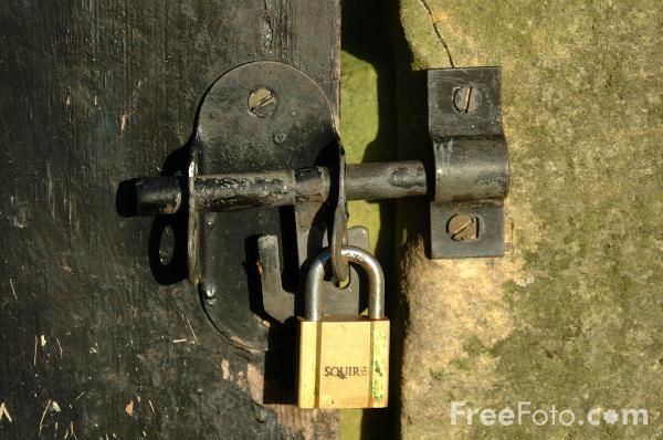Picture of Padlock - Free Pictures - FreeFoto.com