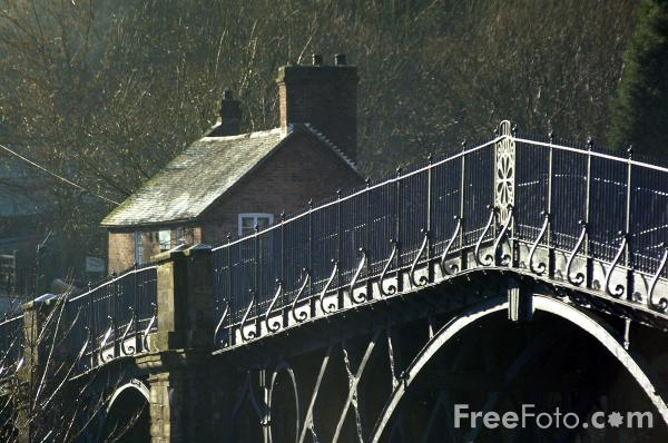 Picture of Ironbridge - The world's first and finest iron bridge opened in 1781. - Free Pictures - FreeFoto.com