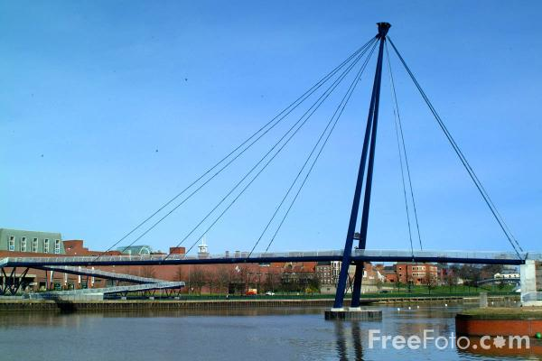 Picture of The Teesquay Millennium Footbridge, Stockton on Tees - Free Pictures - FreeFoto.com