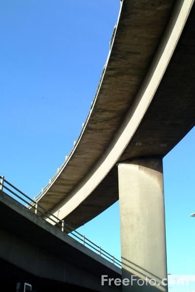 Picture of Motorway Bridge, Glasgow - Free Pictures - FreeFoto.com