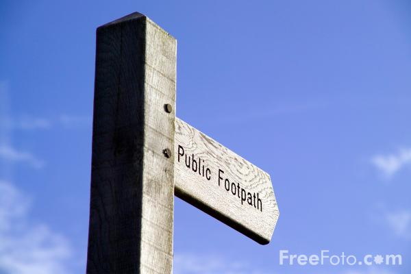 Picture of Public Footpath Sign - Free Pictures - FreeFoto.com