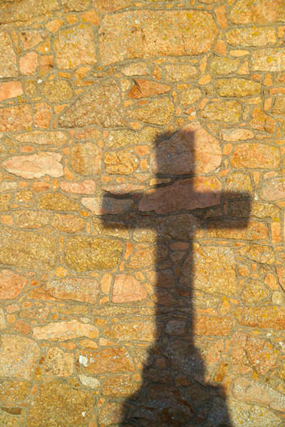 Picture of Stone Cross, St Brelade's Parish Church , Jersey, The Channel Islands - Free Pictures - FreeFoto.com