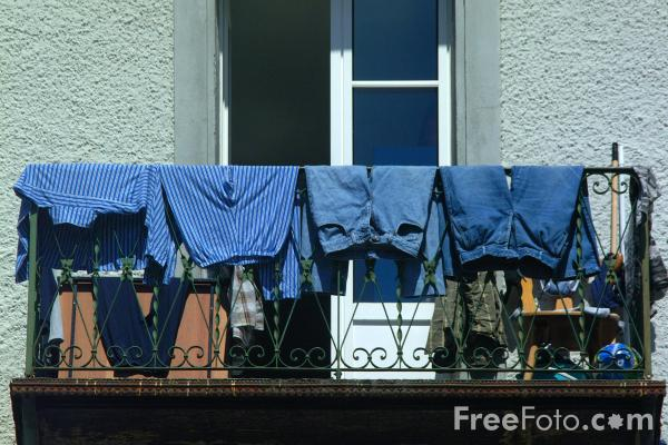 Picture of Washing Day - Free Pictures - FreeFoto.com