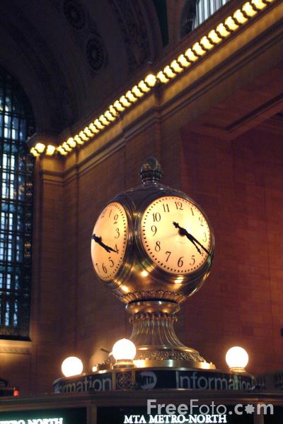 Picture of The famous four-faced clock and information booth, Grand Central Terminal, New York City - Free Pictures - FreeFoto.com