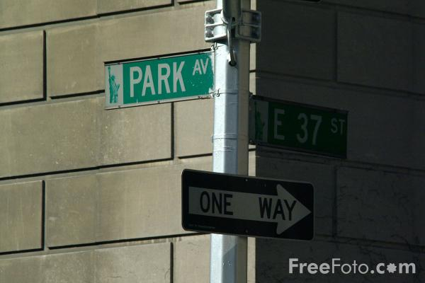 Picture of Park Avenue Sign, New York City - Free Pictures - FreeFoto.com