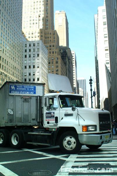 Picture of Mack Truck, New York City - Free Pictures - FreeFoto.com