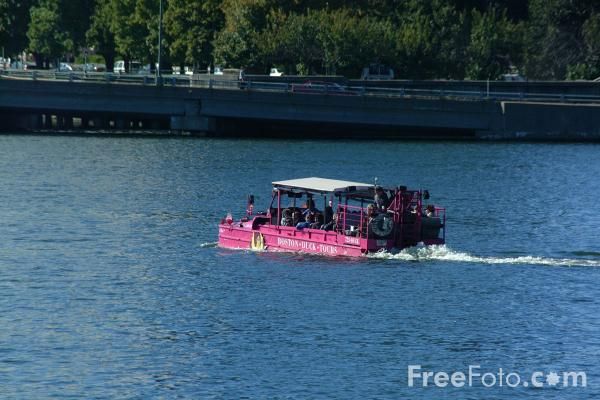Picture of Boston Duck Tours land / water vehicle on the Charles River, Boston, Massachusetts - Free Pictures - FreeFoto.com