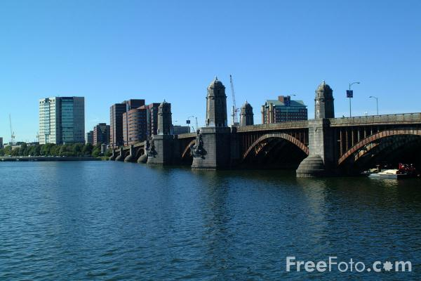 Picture of Longfellow Bridge spans the Charles River and connects Cambridge to Boston. - Free Pictures - FreeFoto.com