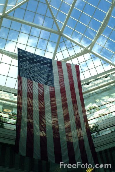 Picture of Stars and Stripes, Copley Place Shopping Center, Boston, Massachusetts - Free Pictures - FreeFoto.com