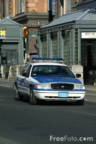 Picture of Boston Police Squad Car, Boston, Massachusetts - Free Pictures - FreeFoto.com