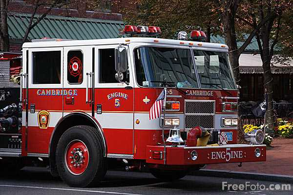 Picture of Cambridge Fire Engine 5 - Free Pictures - FreeFoto.com