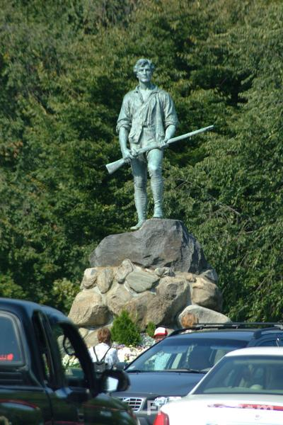 Picture of Minuteman Statue, Battle Green Square, Lexington, Massachusetts - Free Pictures - FreeFoto.com