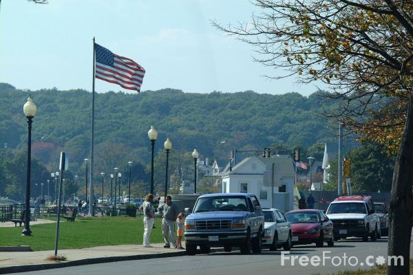 Picture of Stacy Boulevard, Gloucester Bay, Gloucester, Massachusetts - Free Pictures - FreeFoto.com