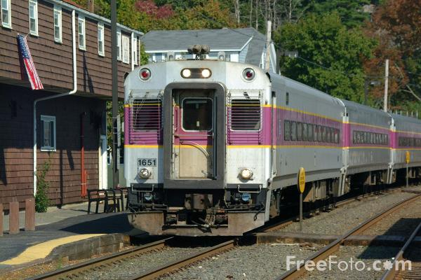 Picture of MBTA train at Manchester by-the-Sea, Massachusetts - Free Pictures - FreeFoto.com