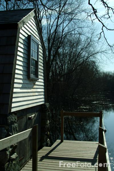 Picture of Boat House, Concord River, Concord, Massachusetts, USA - Free Pictures - FreeFoto.com