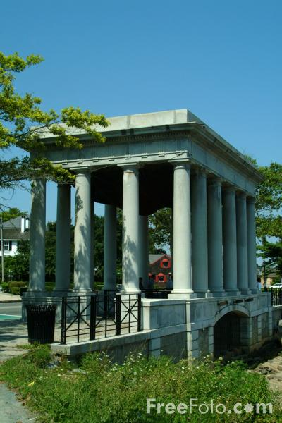 Picture of Plymouth Rock, Plymouth, Massachusetts - Free Pictures - FreeFoto.com