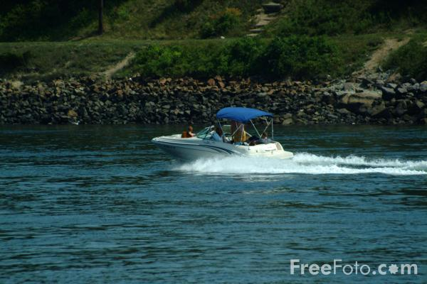 Picture of Cape Cod Canal, Massachusetts - Free Pictures - FreeFoto.com