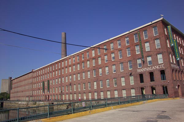 Picture of Wannalancit Mill, Lowell, Massachusetts - Free Pictures - FreeFoto.com