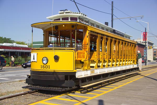 Picture of Heritage Trolley, Lowell Historical Park, Lowell, MA - Free Pictures - FreeFoto.com