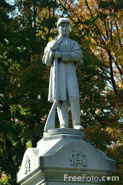 Picture of Civil war statue in Woodstock, Vermont - Free Pictures - FreeFoto.com