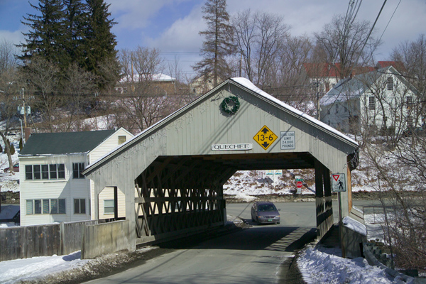 Picture of Covered Bridge, Quechee Village, Vermont, New England, USA - Free Pictures - FreeFoto.com