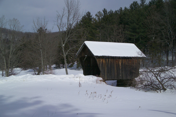 Picture of Small Covered Bridge, Vermont - Free Pictures - FreeFoto.com