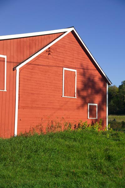 Picture of Red Barn, Vermont - Free Pictures - FreeFoto.com