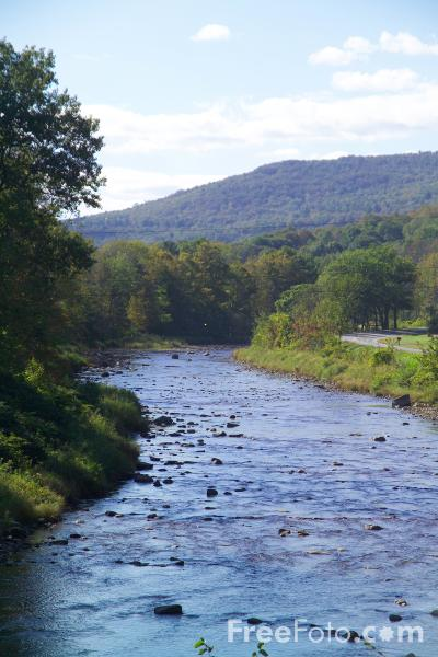 Picture of Ottauquecheee River, Woodstock, Vermont, New England, USA - Free Pictures - FreeFoto.com