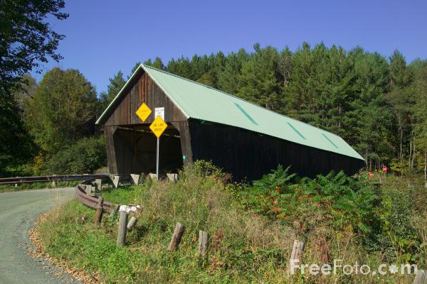 Picture of Lincoln Covered Bridge, Woodstock. Vermont - Free Pictures - FreeFoto.com