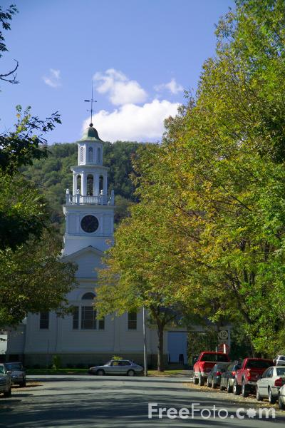 Picture of The First Congregational Church of Woodstock, Vermont - Free Pictures - FreeFoto.com