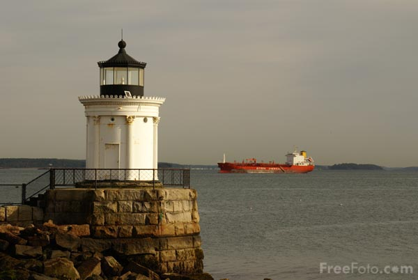 Picture of Portland Breakwater Light, South Portland, Maine, USA - Free Pictures - FreeFoto.com